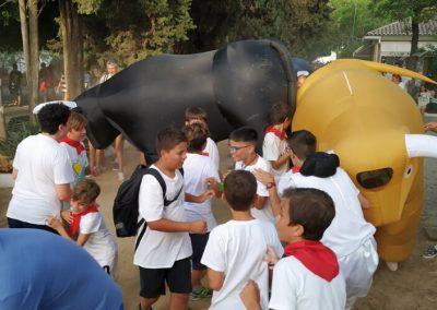 contratacion encierro toros hinchables gigantes
